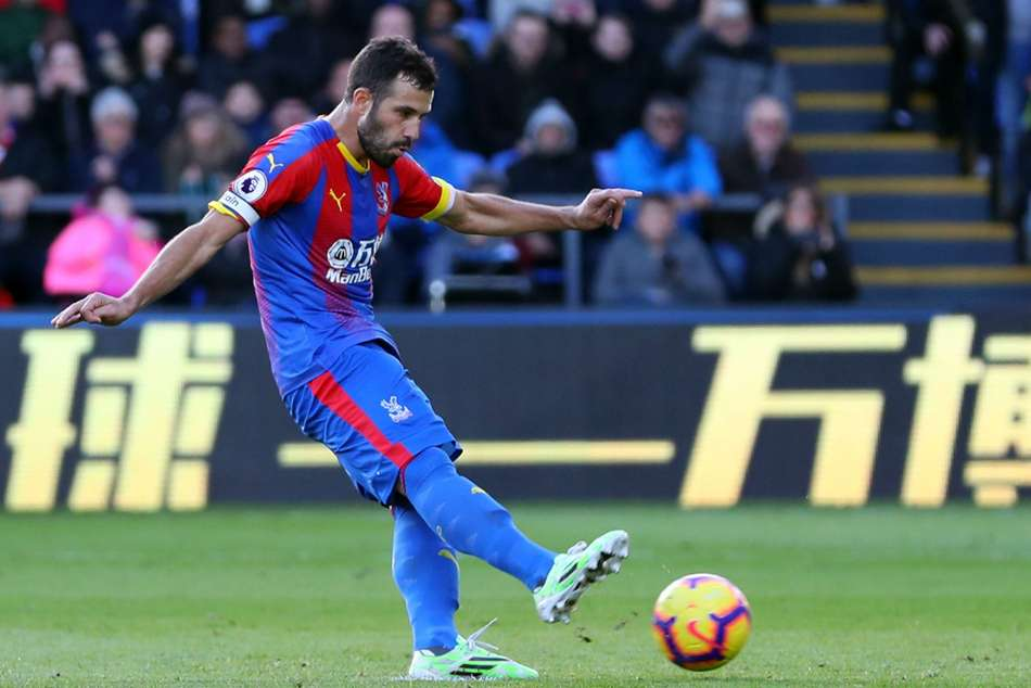 Luka Milivojevic converts from the spot to salvage a point for Crystal Palace