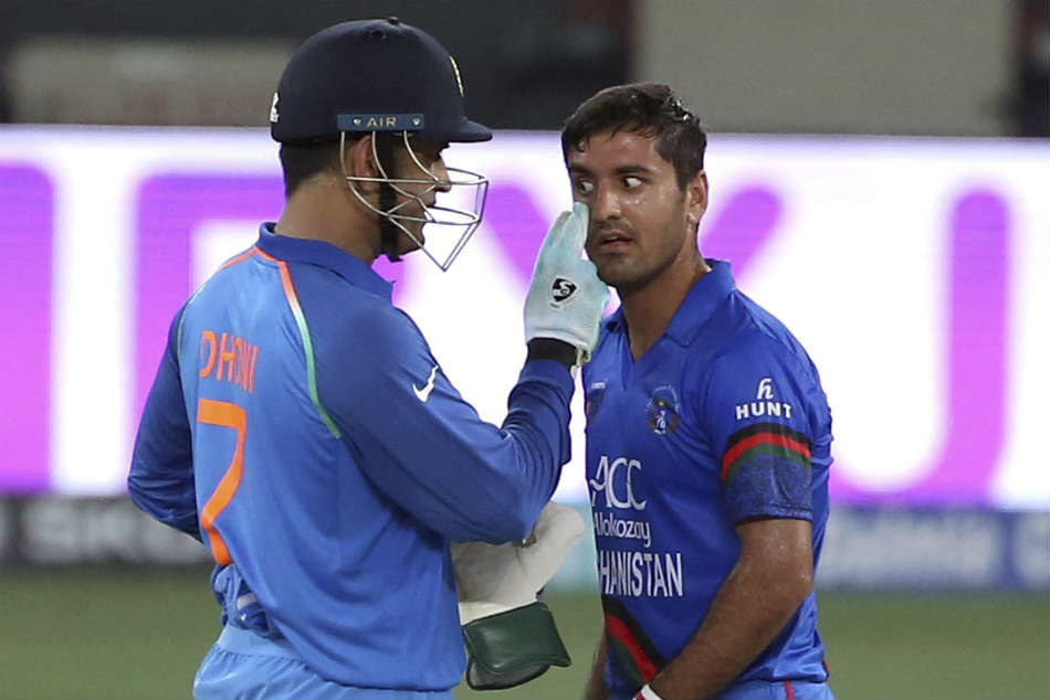 MS Dhoni has never shied away from helping others on and off the field