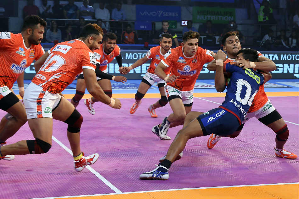 Pkl 2018 Puneri Paltans Climb The Top The Table With An Easy Win Over Haryana Steelers