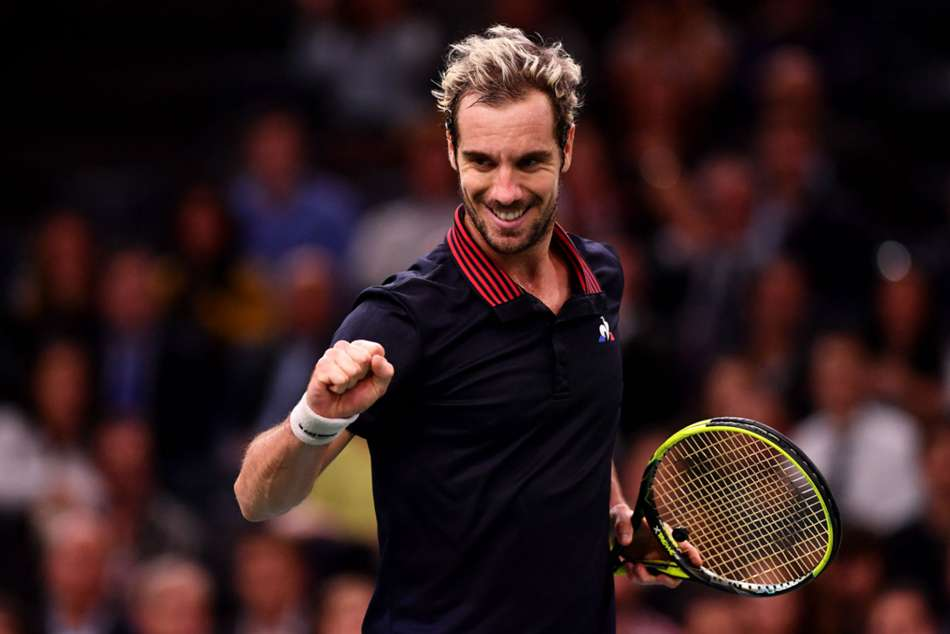 Richard Gasquet advances in Paris Masters