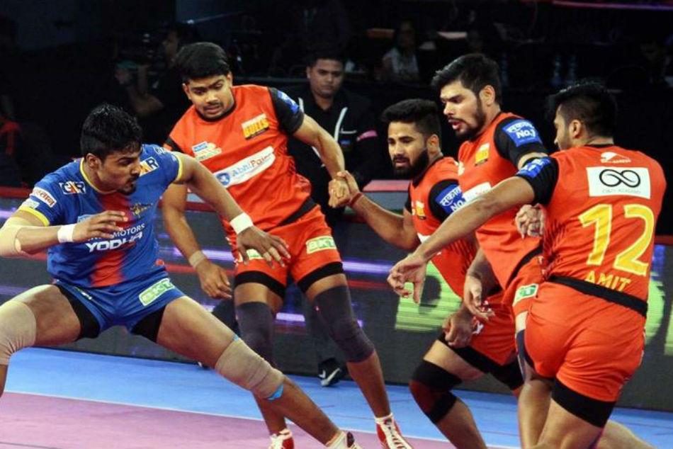 Sehrawat S Super 10 Lifts Bengaluru Bulls Over Up Yoddha