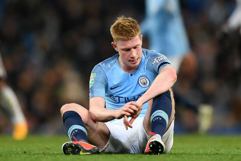 Kevin De Bruyne suffered a knee injury during Manchester Citys win over Fulham
