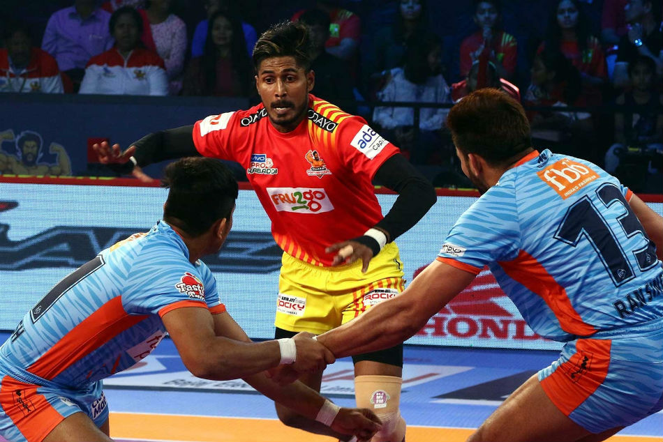 Pkl 2018 Gujarat Fortunegiants Continue Unbeaten Run At Home Beat Bengal Warriors