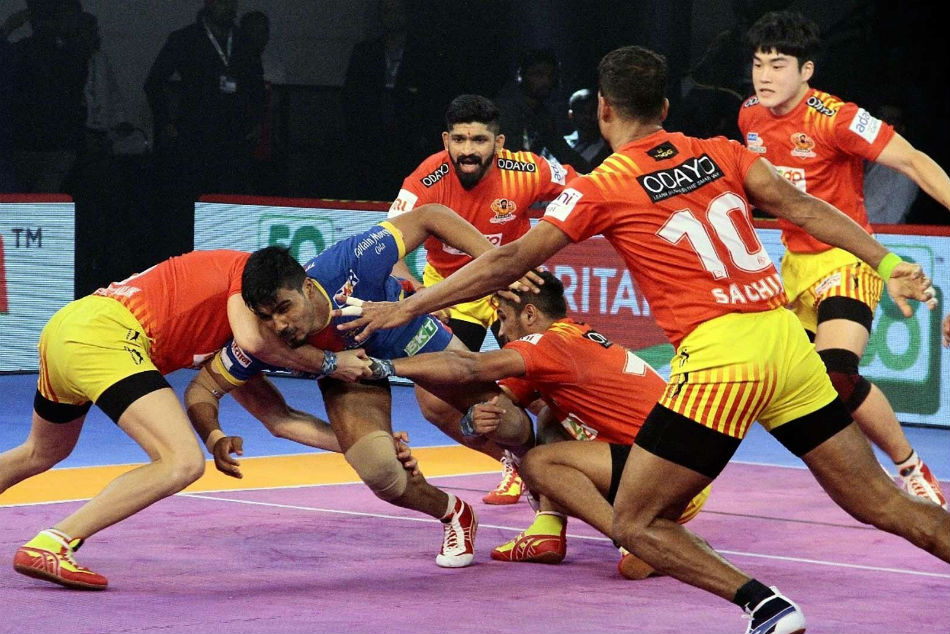Pkl 2018 Gujarat Fortunegiants Edge Spirited Up Yoddha 37
