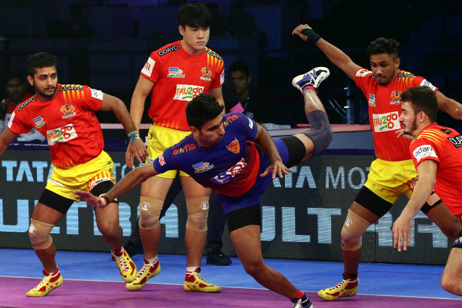 Pkl Gujarat Fortunegiants Down Dabang Delhi Continue Winning Streak