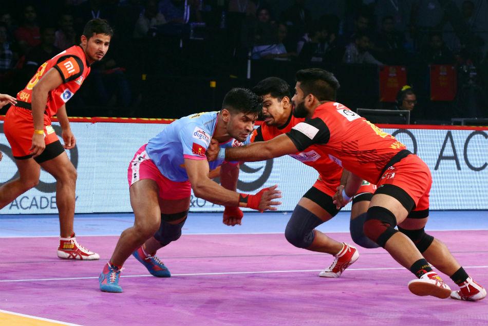 Pkl 2018 Bengaluru Bulls Register Comfortable 45 32 Victory Jaipur Pink Panthers