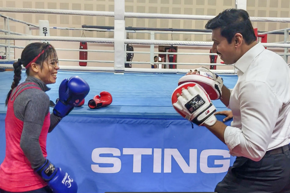 Watch: Mary Kom trades punches with Rajyavardhan Rathore in fun session