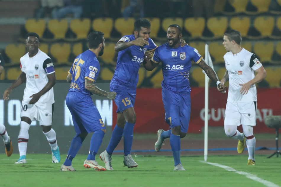 Isl 2018 Neufc Vs Mcfc Mumbai End Northeast S Unbeaten Run