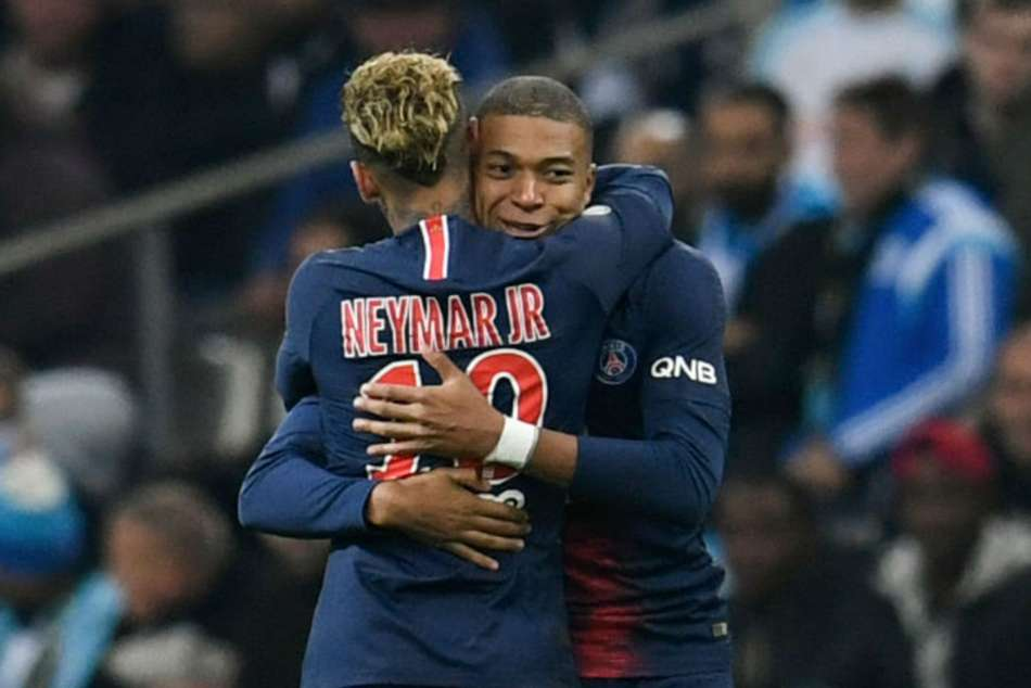 Kylian Mbappe and Neymar scored as Paris Saint-Germain beat Lille to set a new record for wins at the start of Europes top five leagues.
