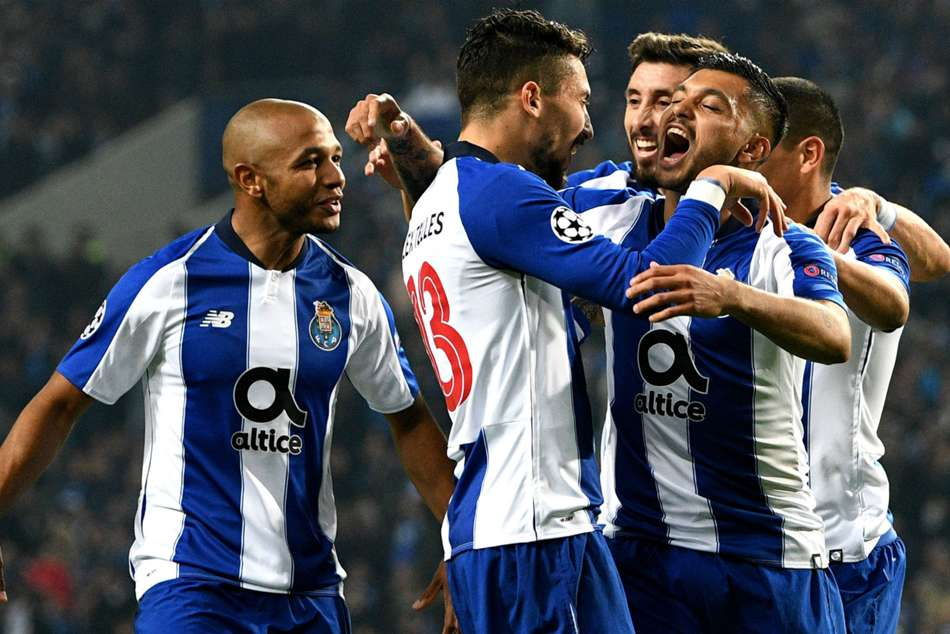 Porto celebrate after clinching top spot in Champions League Group D