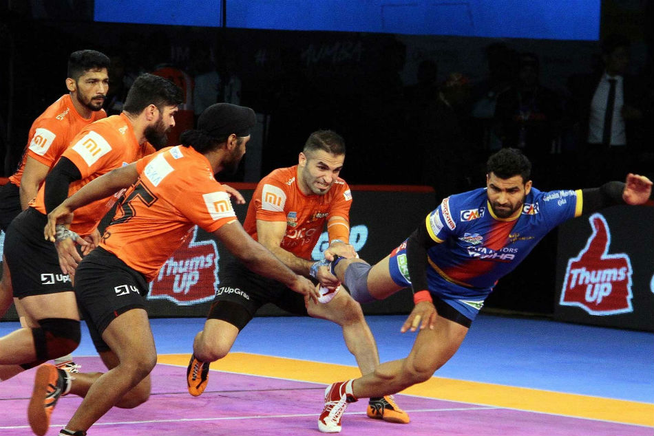 Pkl 2018 Dashing Display Defence Hand U Mumba Their Second Win At Home