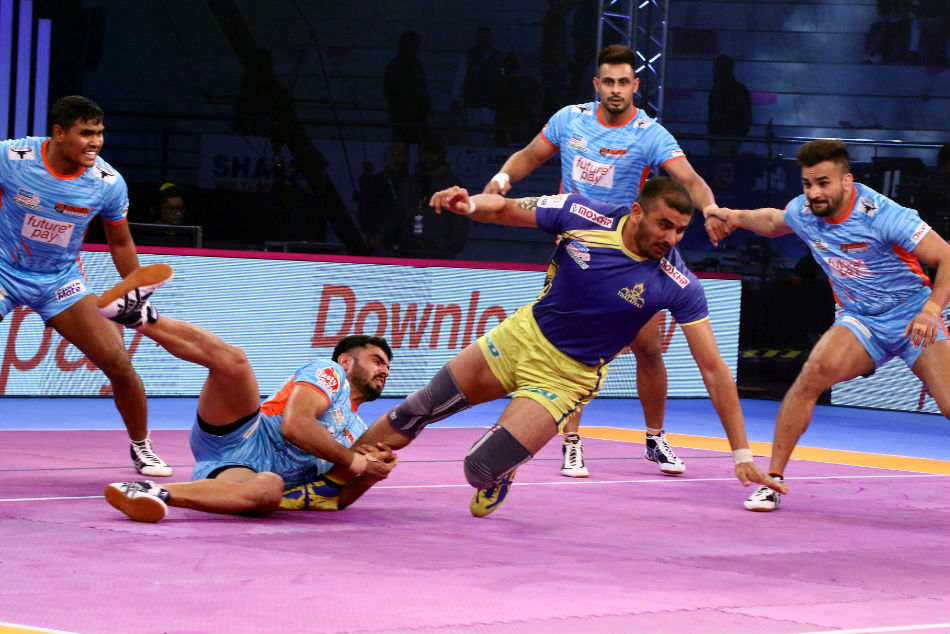 Pkl 2018 Ran Singh Guides Bengal Warriors Past Tamil Thalaivas