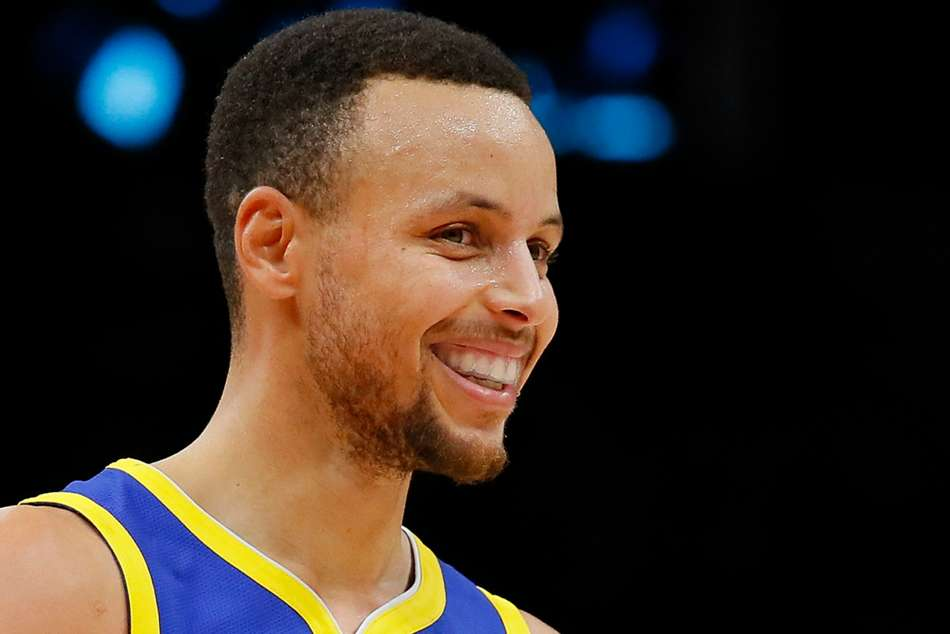 Curry Says He Was Obviously Joking About Moon Landing Comments
