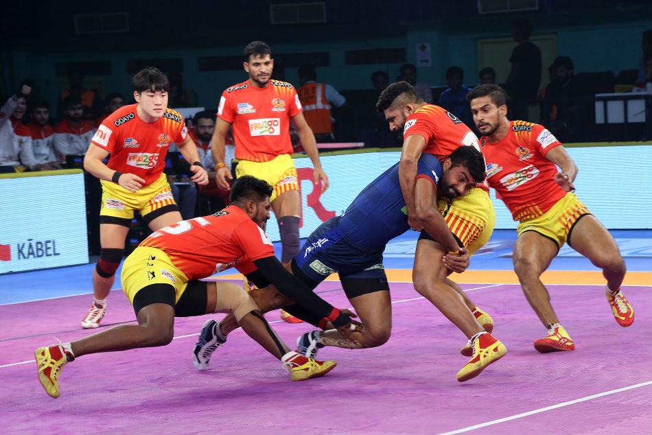 Pkl 2018 Gujarat Fortunegiants Outclass Haryana Steelers