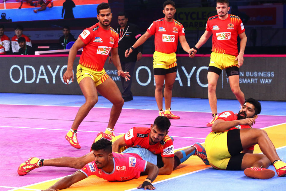 Pkl 2018 Dominant Gujarat Fortunegiants Beat Jaipur Pink Panthers
