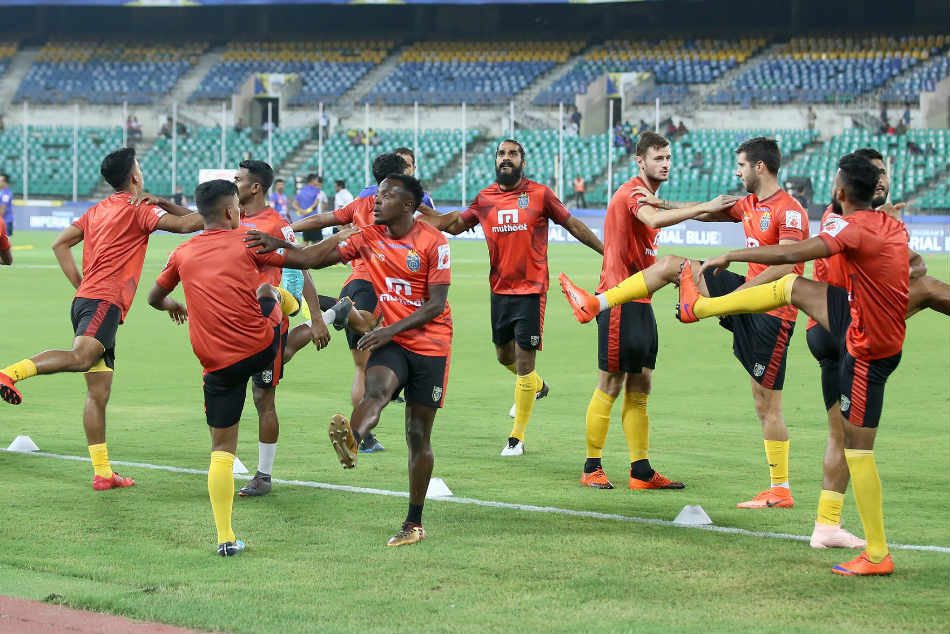 Kerala Blasters FC players gear up for their home match against Jamshedpur FC. Credit: ISL Media