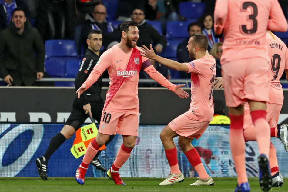 La Liga Messi Scores Brace As Barcelona Thrash Espanyol Atletico Alaves