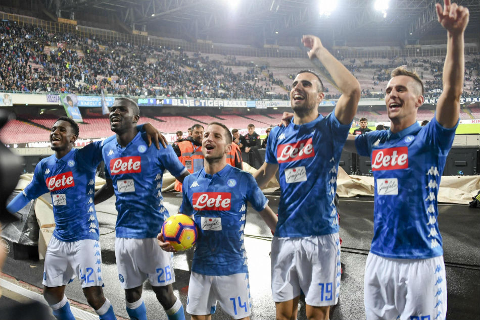 Serie A Napoli Coast Before Liverpool Clash Roma Suffer Absurd Collapse