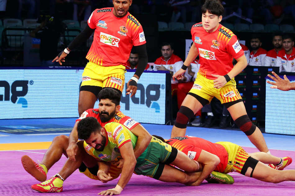 Pkl Gujarat Fortunegiants Hammer Patna Pirates