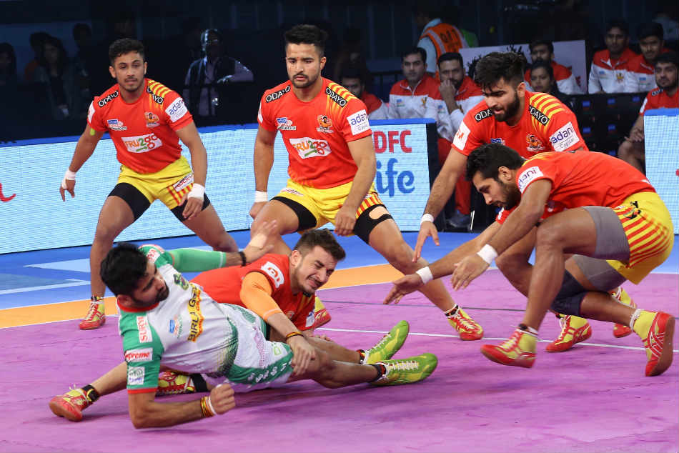 Pkl Gujarat Fortunegiants Beat Patna Pirates 37