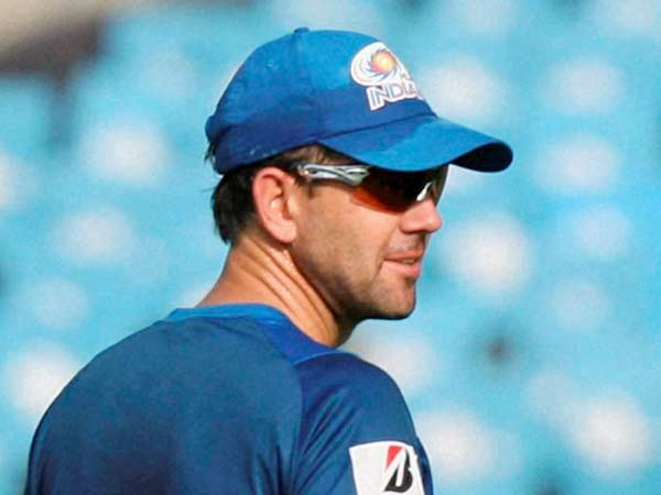 Ricky Ponting's false catch appeal for MS Dhoni's catch