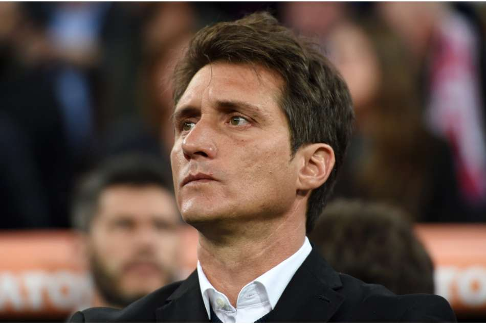 Boca Juniors have parted company with coach Guillermo Barros Schelotto.