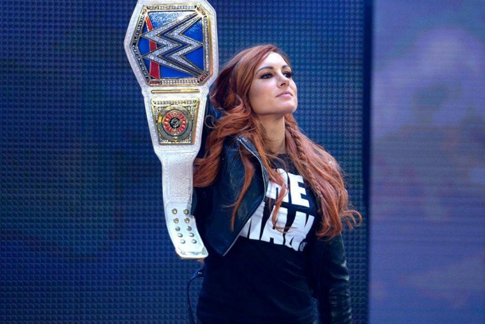 Rumour Becky Lynchs Injury Puts Wwe Tlc Championship