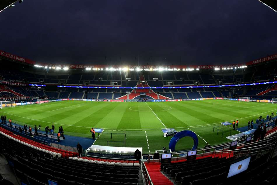 Psg Fined 100000 Euros Over Player Recruitment Practices