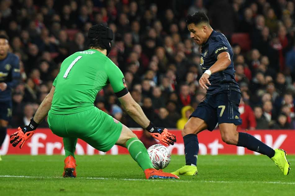 Arsenal 1 Manchester United 3 Sanchez Helps Down Old Club A