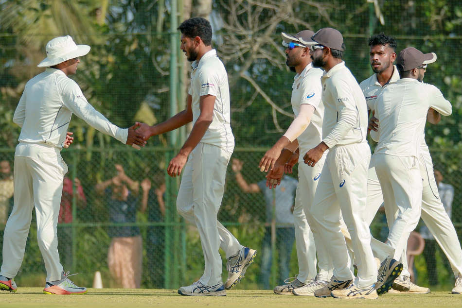 Ranji Trophy Kerala Strike Back Reduce Gujarat 97
