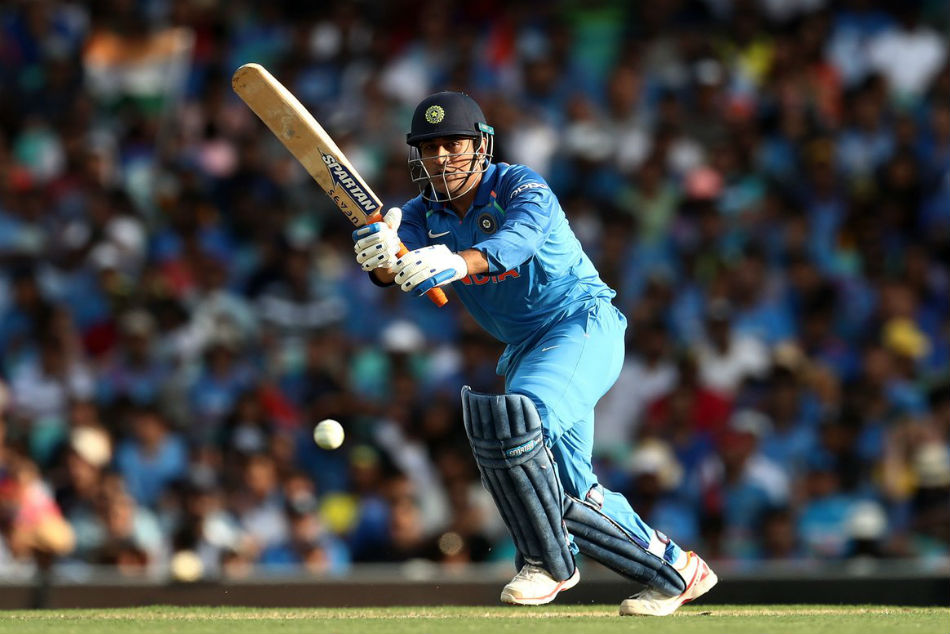 Ms Dhoni Completes 10000 Odi Runs India During 1st Odi Against Australia Sydney