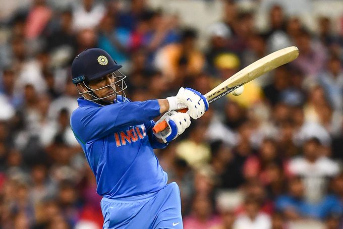 Watch Ms Dhoni Receives Rousing Welcome At Melbourne Cricket Ground