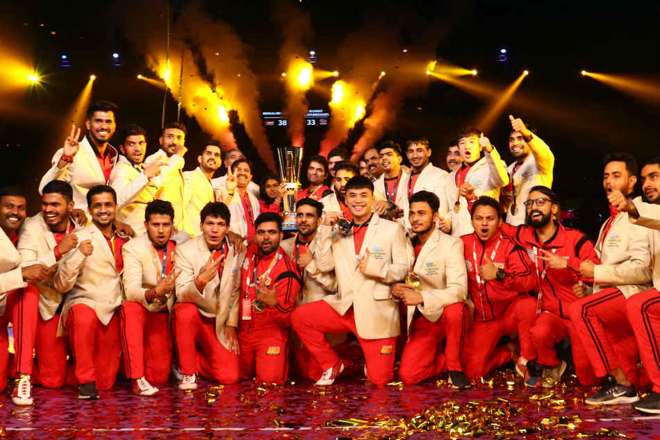 Pkl Bengaluru Bulls Fightback Beat Gujarat Fortunegiants Lift Maiden Trophy