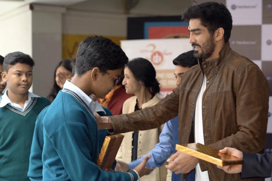Boxer Vijender Singh Interacts With Under Privileged Children