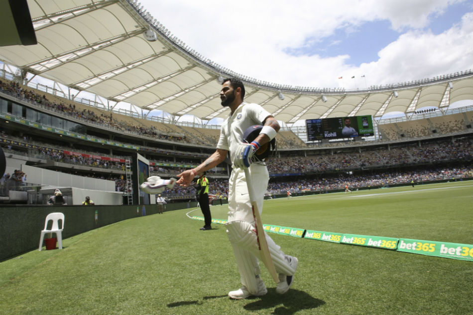 Sydney Test: Kohli booed again, Ponting says show some respect to India captain