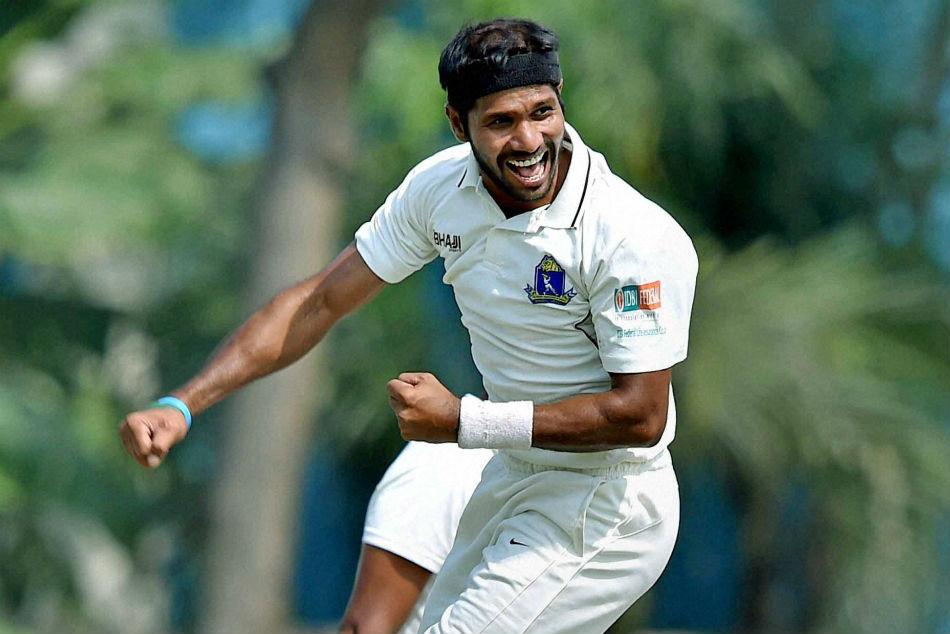 R Ashwin Jaydev Unadkat Want Face Masks Bowlers Following Ashok Dinda S Forehead Injury