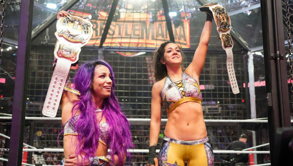 Sasha Banks Bayley Create History At Wwe Elimination Chamber