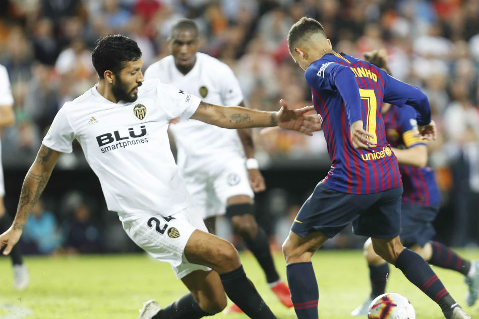 Leaders Barcelona Set Valencia Test A La Liga Weekend Full R