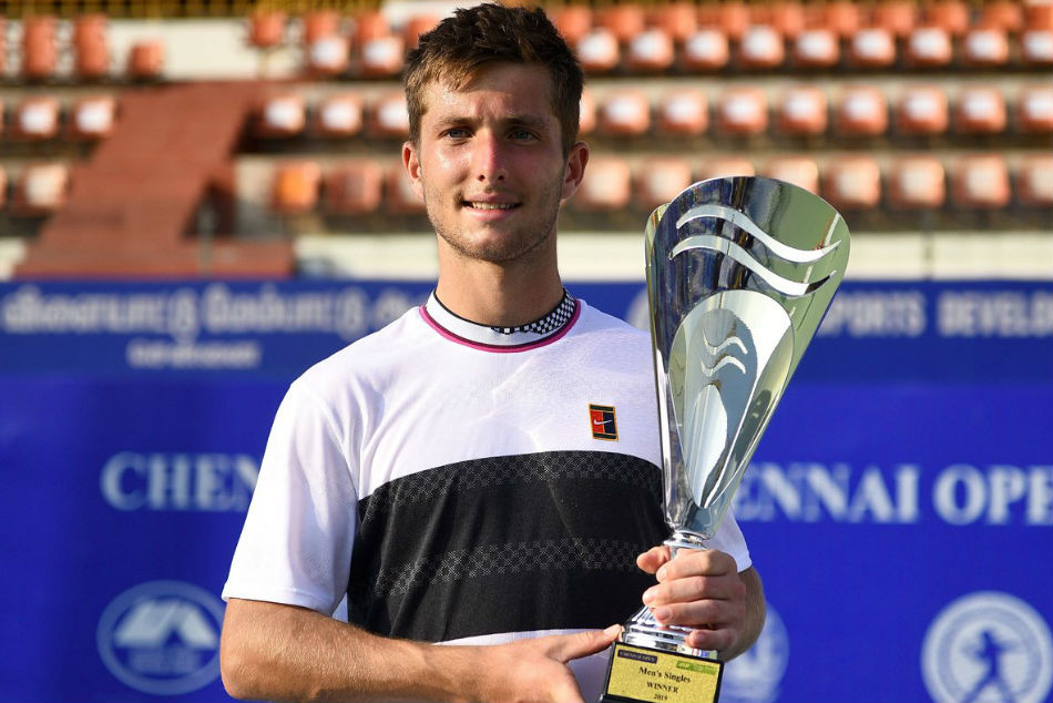 Frances Corentin Moutet poses with the trophy (Image Courtesy: Twitter @ATPChallenger)