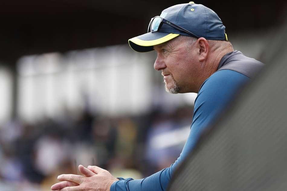 David Saker Australia Assistant Resigns
