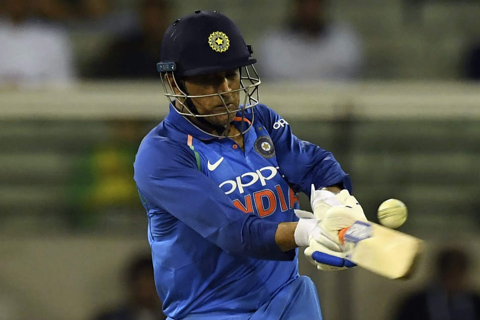 Dhoni Should Be Promoted No 4 Anil Kumble