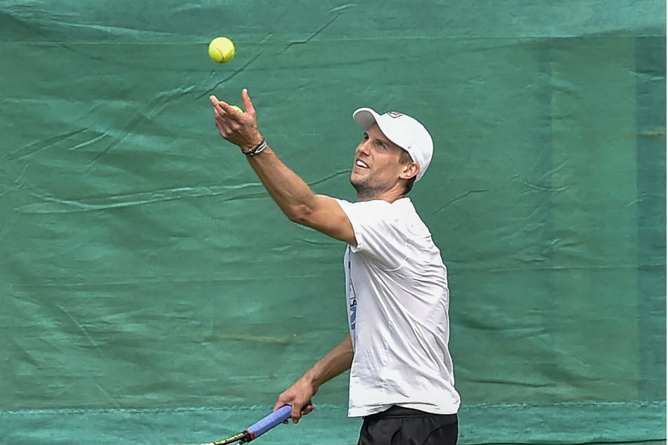Davis Cup Italy Take 2 0 Lead Over Clumsy India