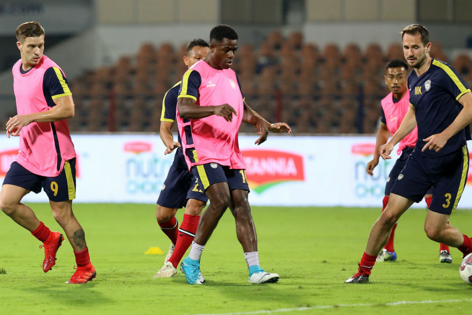 NorthEast United players during a training session.