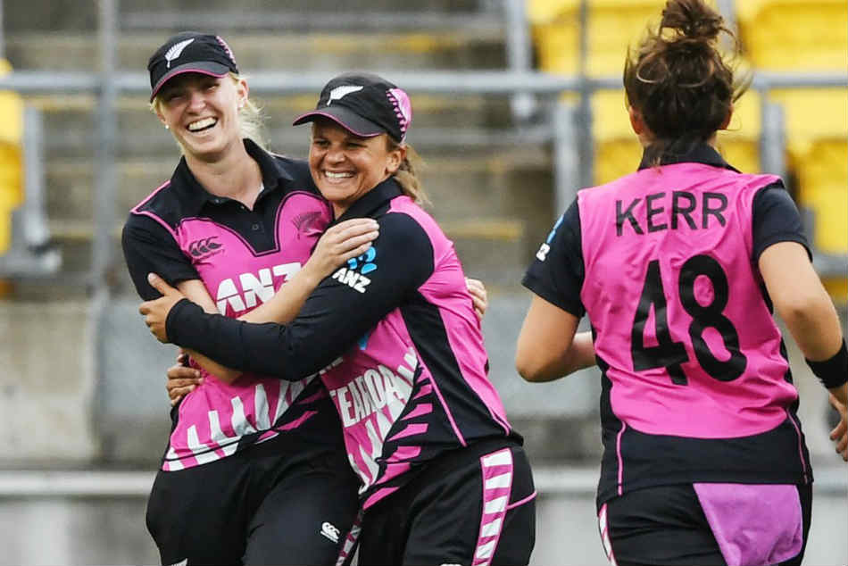 India Women Vs New Zealand Women Mandhana S Record Fifty Goes In Vain As Kiwis Win