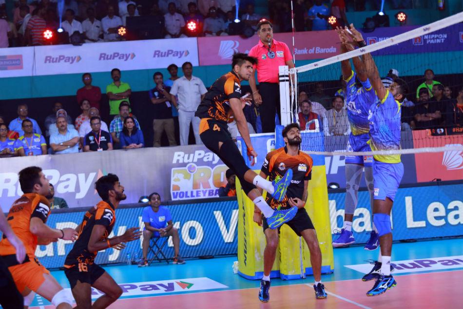 Pvl 2019 Kochi Blue Spikers Register Hat Trick Wins With Win Over Black Hawks Hyderabad