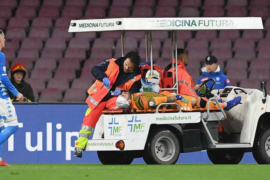 David Ospina underwent a scan after cutting his head in a collision with Udinese winger Ignacio Pussetto