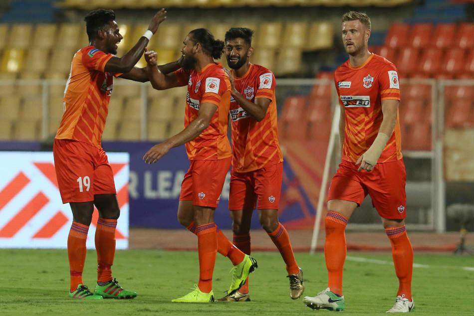 Isl Fcpc 2 Mcfc 1 Pune Have Last Laugh The Maharashtra Derby