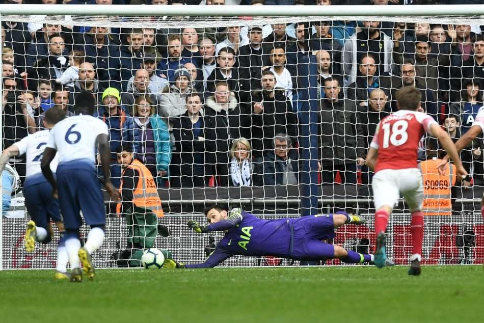 Premier League Tottenham 1 Arsenal 1 Lloris Late Penalty Heroics Gives Spurs Welcome Relief