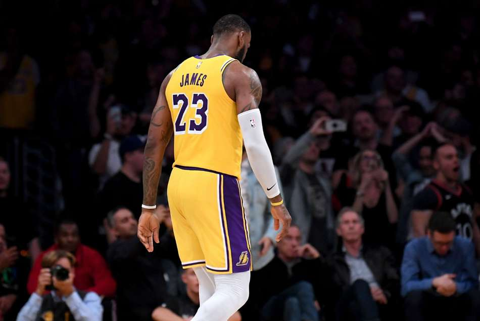 Nba Wrap Lakers Continue To Slide With Fifth Straight Loss