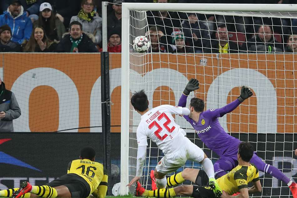 Augsburg 2 Dortmund 1 Bundesliga Ji Dong Won Paco Alcacer